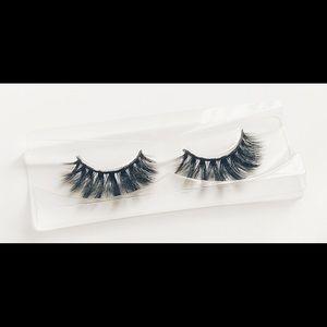 Unika Lashes Mink Eyelashes